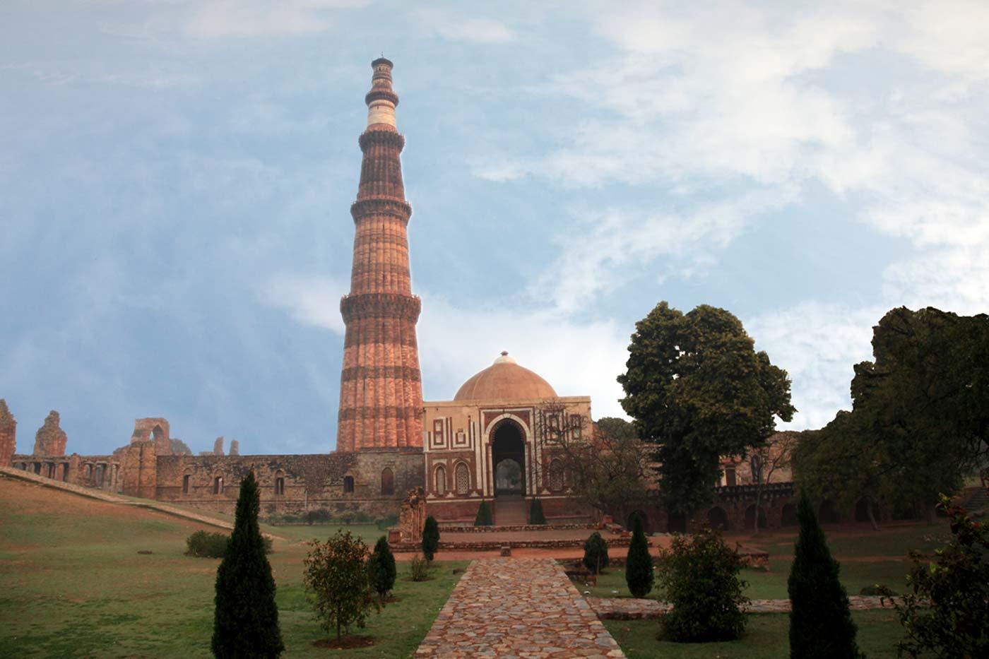 Qutub Minar Qutubminar  Maidens Hotel